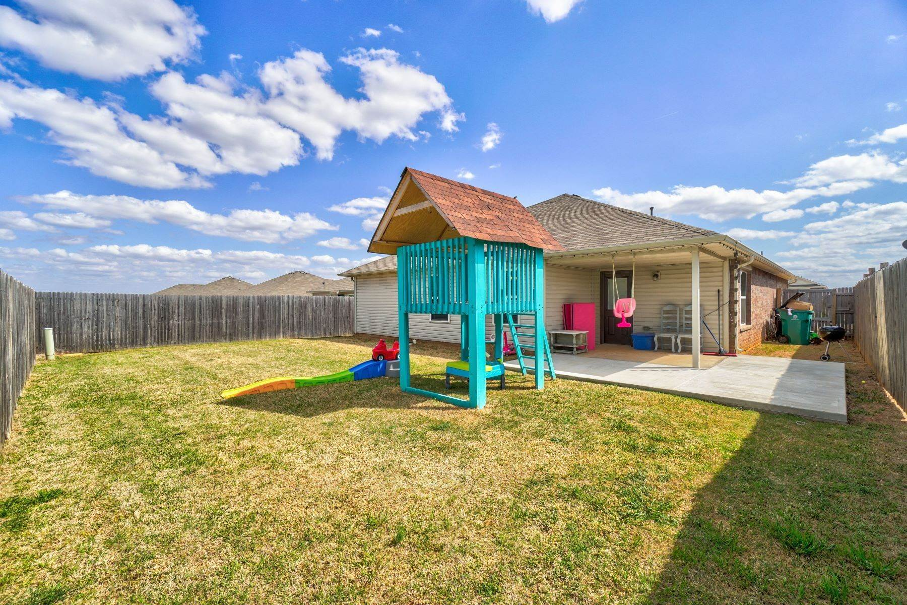 27. Single Family Homes for Sale at 11805 Northwest 135th Street, Piedmont, OK 73078 11805 Northwest 135th Street Piedmont, Oklahoma 73078 United States
